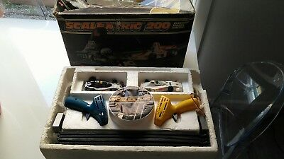 Scalextric 200  boxed set track cars barrier