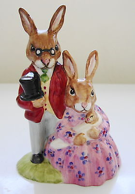 "Royal Doulton: DB1 Family Photograph COLOURWAY ~ VGUC ~ ""Property of RD"" on base"
