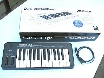 Alesis Q25 midi keyboard with carry case
