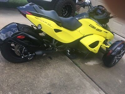 2014 Can-Am Spyder RS-S  2014 Can Am Spyder RS-S