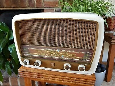 Philips BG374A valve radio 1950s, family owned since new, serviced.
