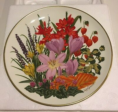 Franklin Mint, Flowers Of The Year Plate Collection, 1978 Flowers Of November