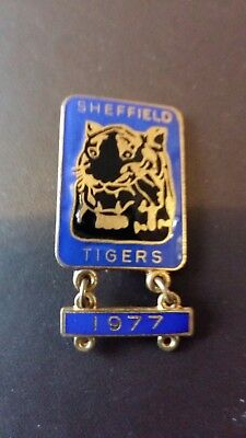 Sheffield Tigers Speedway Badge with 1977 Year Bar
