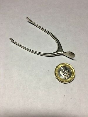 Superb Little Pair Of STERLING SILVER Sugar Wishbone  Tongs/Nips Excellent