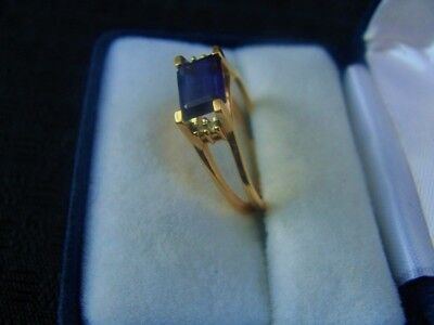 Beautiful 3.1 Grams 14K Gold Ring With Stones * Not Scrap