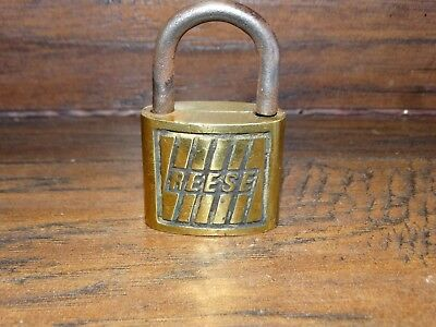 19773a Vintage REESE 4  Brass Padlock ~ Antique Pad Lock  /  No Key