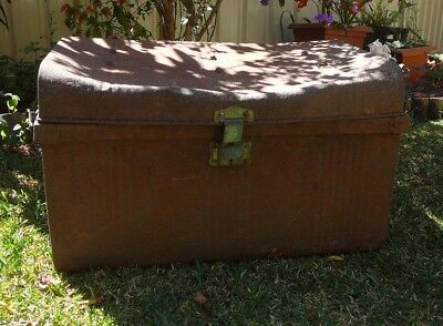 OLD METAL TRUNK Treasure Chest Box Case Storage Rustic Industrial Antique Vtg