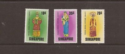 Singapore 1976 Costumes Mnh Set Of Stamps