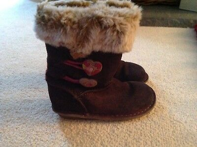 Clarks infant size 7 brown suede boots