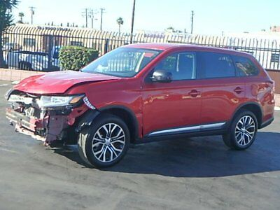 2017 Mitsubishi Outlander ES 2017 Mitsubishi Outlander ES Damaged Salvage Only 8K Mi Perfect Color Wont Last!