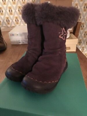 Clark's Girls Boots.... Cute Size 7.5f Super Condition