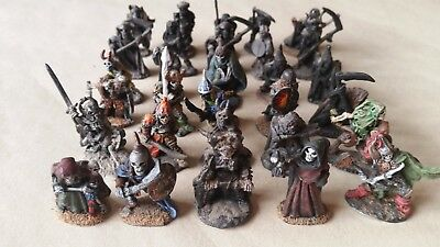 Games Workshop Miniatures 30 figures undead skeleton army