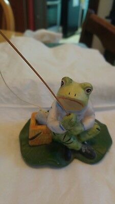 Frog figurine fishing