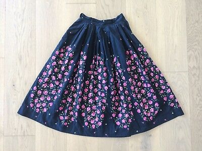 Vintage 1950s Black Cotton Pink Rose Border Print Full Skirt