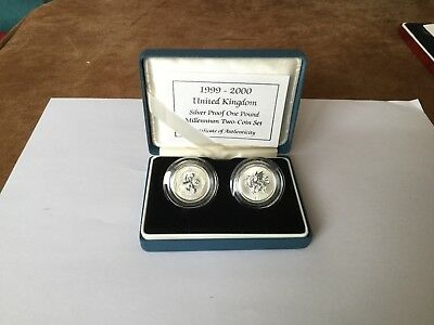 Royal Mint Boxed 1999-2000 UK Frosted Silver Proof One Pound Two Coin Set