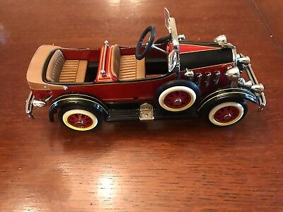 HALLMARK KIDDIE CAR CLASSICS 1935 AMERICAN TANDEM QHG9058 with Box/Papers&Remote