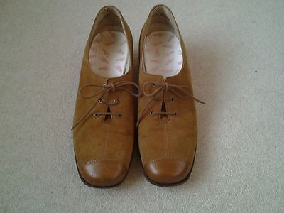 vintage suede shoes 40's style size 6 mustard