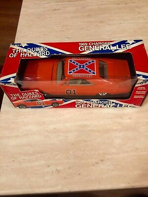 """Ertl 1969 Dodge Charger """"General Lee"""" -The Dukes of Hazzard 1:25 Scale Diecast"""