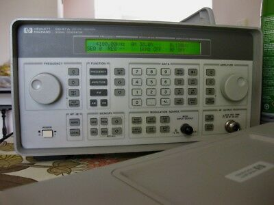 HP-8647A RF Signal Generator with High Stability Option