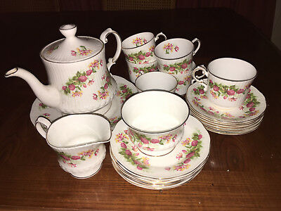 """QUEENS ENGLISH FINE BONE CHINA """"WOMAN AND HOME"""" STUNNING 21 or 22 PIECE TEA SET"""