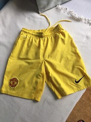 Manchester United Adult small Nike Yellow Shorts