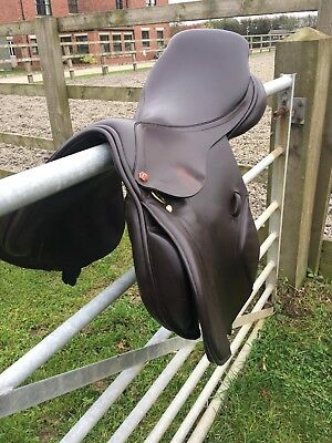 BROWN ALBION K2 Jump Saddle 17 Inch