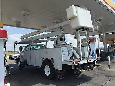 2009 Ford Other  2009 Ford F750 White