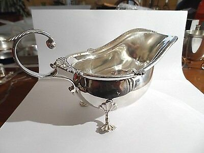 Beautiful Quality Heavy Antique Solid Silver Walker & Hall Gravy Boat c1911-315g