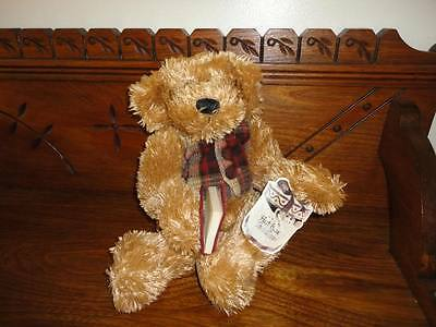 Avon Canada Hat Box Teddies CHESTER Bear 13 Inch