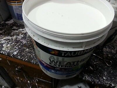 Taubmans 15 Litre All Weather Exterior  Low/sheen Very-Light-Beige Color Paint