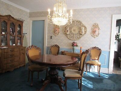 Antique Victorian Dining Table And 4 Chairs / Table Pads Included