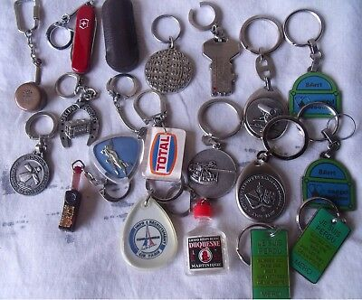 lot 18 porte clés / militaire /aviation/ alimentation/alcools etc......