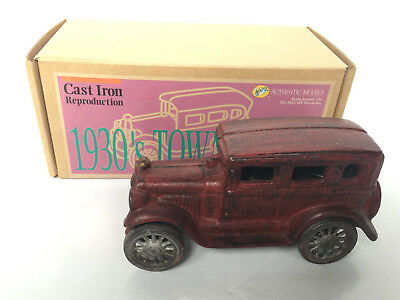 1930s Town Sedan - Cast Iron Reproduction