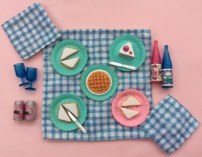 Barbie Picnic Accessories Bundle Mattel