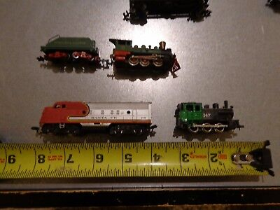 1 set small scale model trains