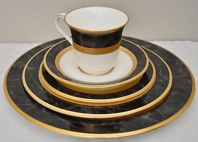 Place Setting (5 pieces) of Noritake Opulence Bone China Dinnerware