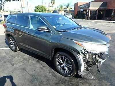 2017 Toyota Highlander LE 2017 Toyota Highlander LE Salvage Damaged Repairable! Only 2K Miles! Wont Last!!