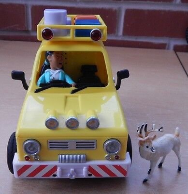 Fireman Sam Toy Rescue Vehicle And 2Figures