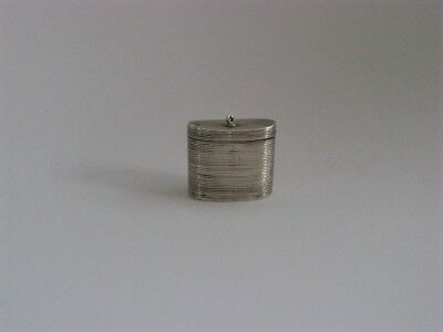 DUTCH-Antique-STERLING SILVER-Small-Grooved-PILL BOX/PEPPERMINT BOX