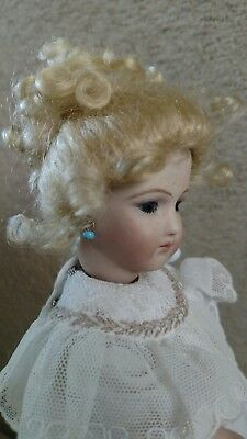 """Doll Wig, Stobe 41/2"""" , For A Doll With A tiny  Head.  100% mohair ash blonde."""