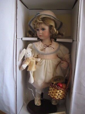 Hillview Lane Porcelain doll girl w/ bunny 42cm Certificate of Authenticity Box