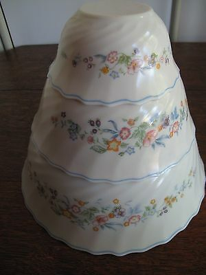Arcopal Victoria Set of 3 Mixing Bowls Floral Swirl Pattern - Pyrex Type Bowls
