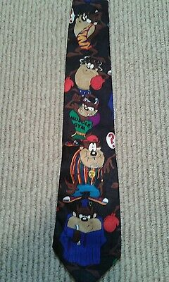 Looney Tunes Mania Tie, Very Colorful, 100% Polyester,Excellent Cond.