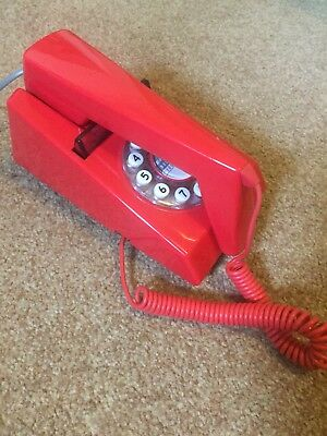 Red Retro Telephone - great condition