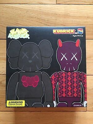 Medicom X Kaws Bus Stop Set 1 Kubrick New Mint Condition Companion Dissected