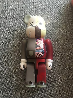 Bearbrick 100 % Kaws Brown Companion Original Fake