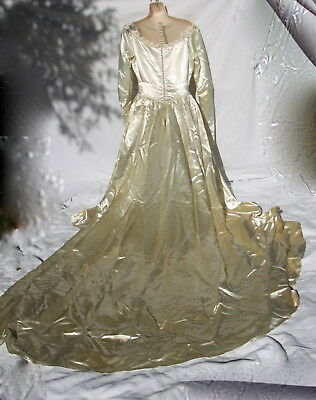 Vintage 40s (1947) Wedding Dress Bridal Gown Ivory/Candlelight Satin Sequence