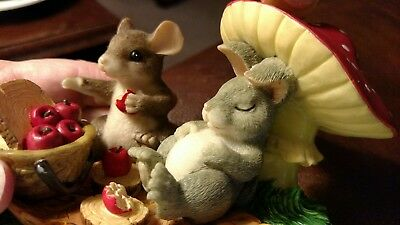 Charming Tails MICE Figurine LIFE'S A PICNIC WITH YOU 83/701Apples Fall Leaves