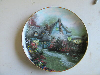 """Knowles Thomas Kinkade's Enchanted Cottage """"Sweetheart Cottage"""" Plate"""