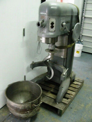 used Hobart 60 qt  600 pizza dough Bakery Mixer 3 phase w/ converter bowl & Hook
